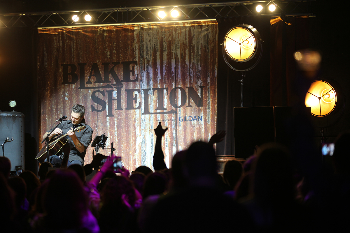 Blake shelton presented by gildan fall tour cid entertainmentcid