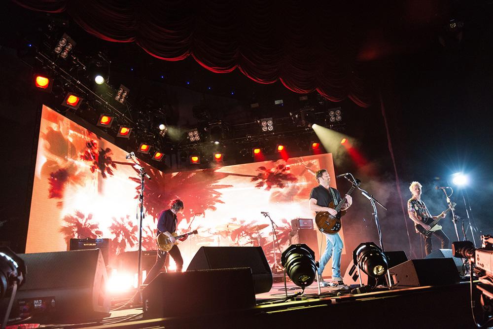 Kings Of Leon 2017 Tour Fan Experiences